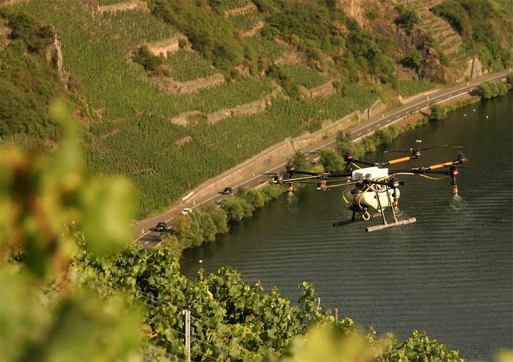 2017-07-22 Drohne Pflanzenschutz Mosel